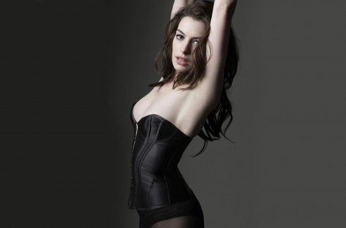 anne-hathaway-as-catwoman-in-the-dark-knight-rises-安海瑟威蝙蝠俠黎明昇起